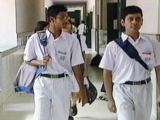 Video : CBSE के 12वीं के नतीजों का ऐलान, दिल्ली की सुकृति ने किया टॉप