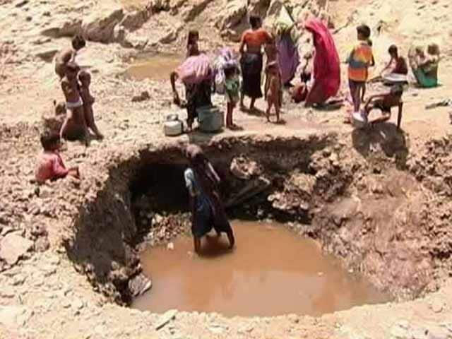 Video : In This Drought-Hit Village, Women Scoop Water From Pits To Survive