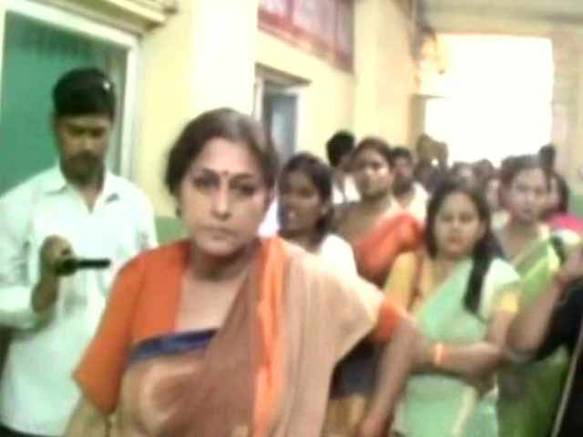 Video : BJP's Roopa Ganguly Injured In Attack Allegedly By TMC Workers Near Kolkata