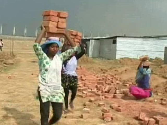 Meera Carries Bricks On Her Head, Clears Class 10, Can't Take A Day Off