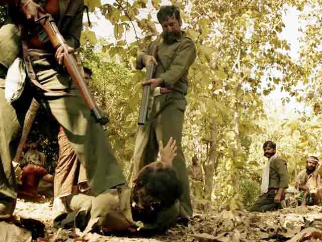 Video : फिल्म रिव्यू : मसाला फिल्म है 'वीरप्पन' पर चटपटी नहीं