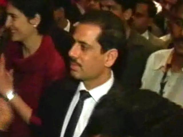 Videos : इंडिया 7 बजे : लंदन में बेनामी संपत्ति, रॉबर्ट वाड्रा पर एक और आरोप