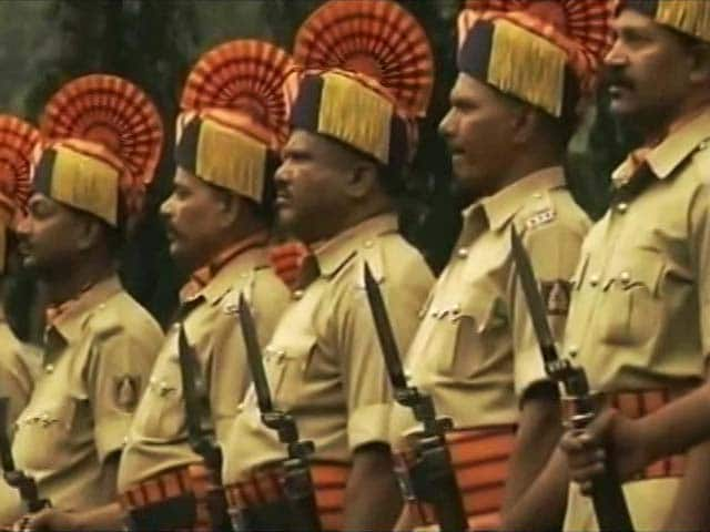 Video : Protesting Working Conditions, Karnataka Cops Plan Mass Casual Leave