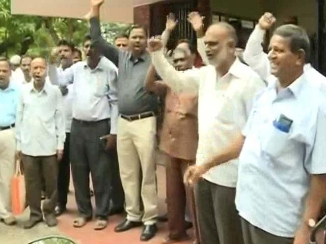 Video : Why Government Employees In Karnataka Say They Are Unhappy