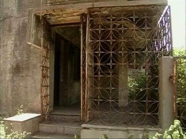 Video : गुलबर्ग सोसायटी : खाली पड़े खंडहर, असुरक्षा की भावना से मुक्त नहीं हुए वाशिंदे