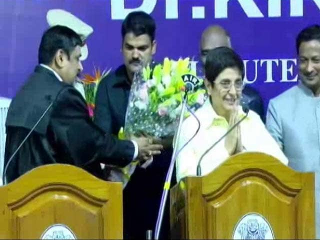 Video : Governor Kiran Bedi's First Big Step: No Sirens, Right Of Way For VIPs