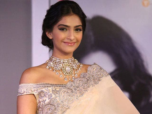 Video : Sonam's New Film Also Stars Kareena, Swara, Shikha