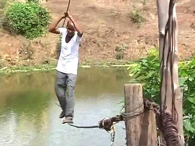 Video : Two Ropes - The River-Crossing For A Village In Maharashtra