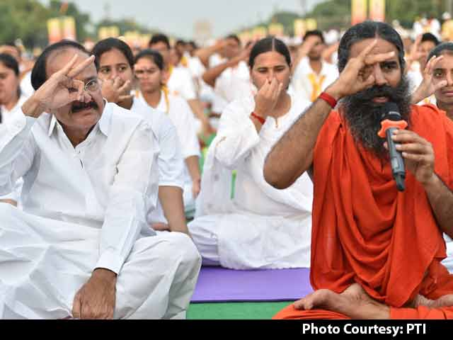Video : Ramdev Leads, Over 30,000 Yoga Mats Roll In Delhi Again
