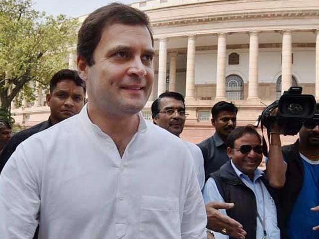 Videos : राहुल गांधी हुए 46 साल के, कांग्रेस कार्यकर्ताओं के बीच मनाया अपना जन्मदिन