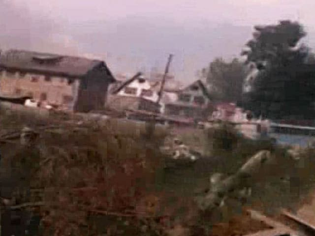 Video : Dramatic Video Of Attack On CRPF Soldiers In Pampore
