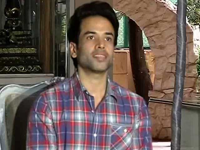 My Son Looks Exactly Like Me, Tusshar Kapoor