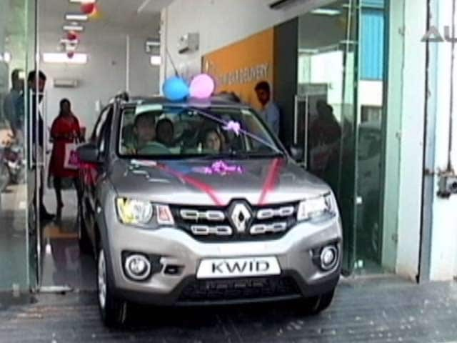 Video : Win Big With CNB! CNB Viewer Wins Renault Kwid