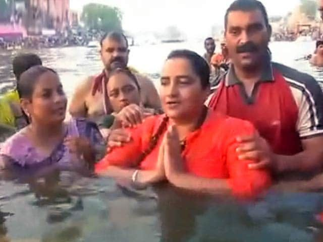 Video : इंडिया 7 बजे : मालेगांव बम धमाके की आरोपी साध्वी प्रज्ञा की ज़मानत याचिका ख़ारिज