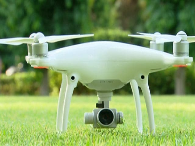 Video : DJI Phantom 4 Camera Drone
