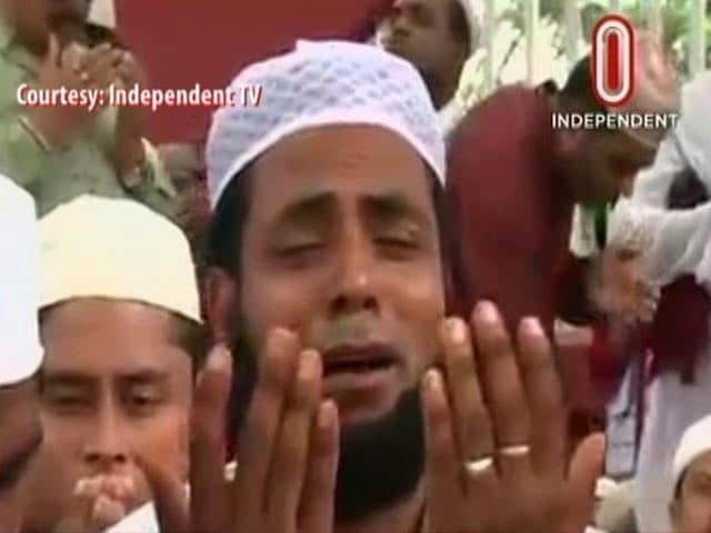 Video : 3 Dead In Blast Near Eid Prayers In Bangladesh, Terrorist Captured Alive