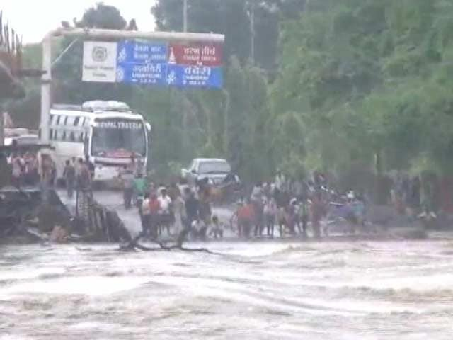 Video : 15 Die In Madhya Pradesh Floods, 7 In Last 24 Hours