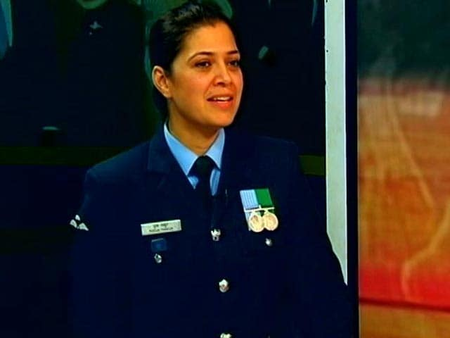 Video : Officer Pooja Thakur, Who Led Guard of Honour For Obama, Sues Indian Air Force