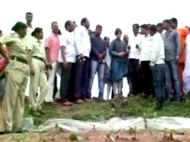 Video : अहमदनगर में नाबालिग से रेप और हत्या के विरोध में प्रदर्शन