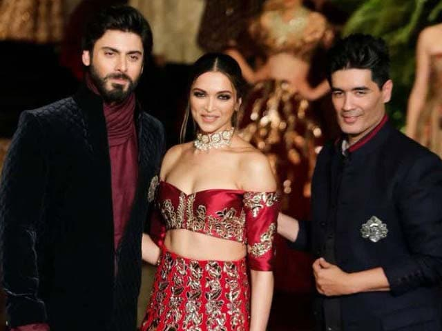Deepika Paints the Ramp Red, Courtesy Manish Malhotra