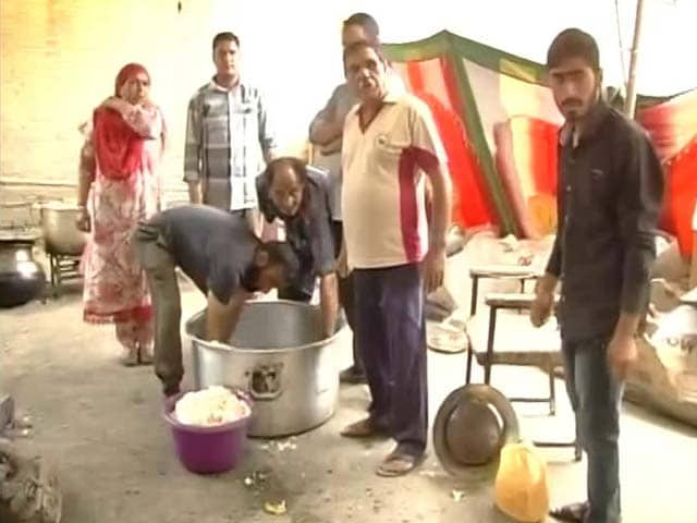 Video : In Kashmir's Hour Of Need, Valley Turns To Its Volunteers