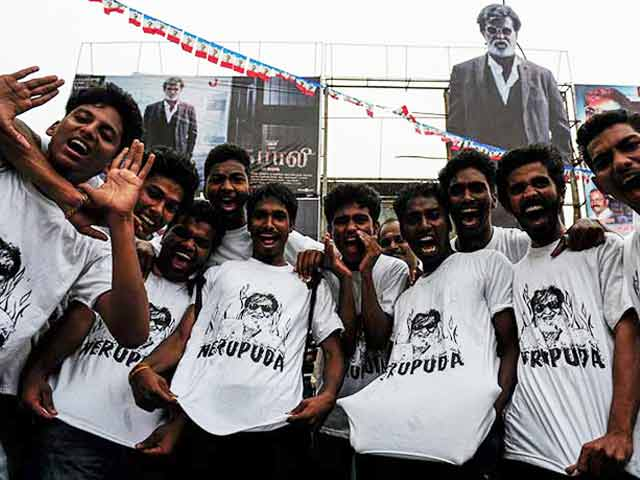 Video : Kabali Da: Fans Across The Country Celebrate as Rajinikanth's Film Releases