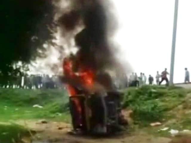 Video : 8 Killed After School Van Collides With Train In Uttar Pradesh