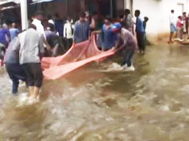 Watch: Stranded on Bengaluru Roads, People Turn to Fishing. Seriously.