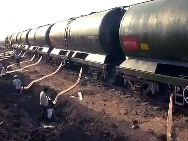 Video : लातूर को अब भी पानी की ट्रेन का सहारा