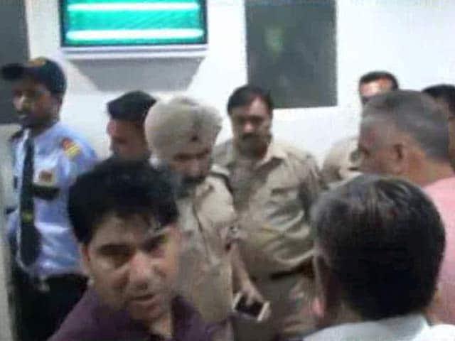 Video : Senior RSS Leader Jagdish Gagneja Shot At In Punjab, Critical