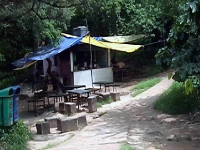 Video : जेएनयू के गंगा ढाबा को हटाने का विरोध