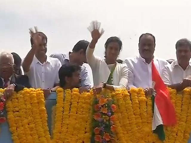 Video : Sindhu Celebrations Part Deux: After Hyderabad, A Vijayawada Victory Rally