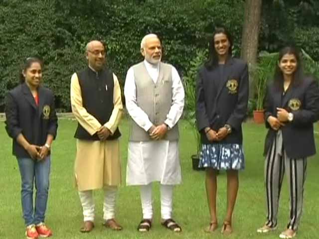 Video : PM Narendra Modi Meets PV Sindhu, Sakshi Malik and Dipa Karmakar