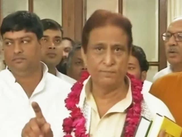 Videos : बुलंदशहर गैंगरेप को सियासी साजिश बताने पर आजम खान को सुप्रीम कोर्ट का नोटिस