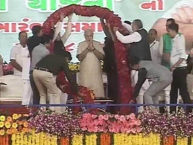 Video : In Patel Territory, PM Modi Reaches Out To Farmers And Talks Growth
