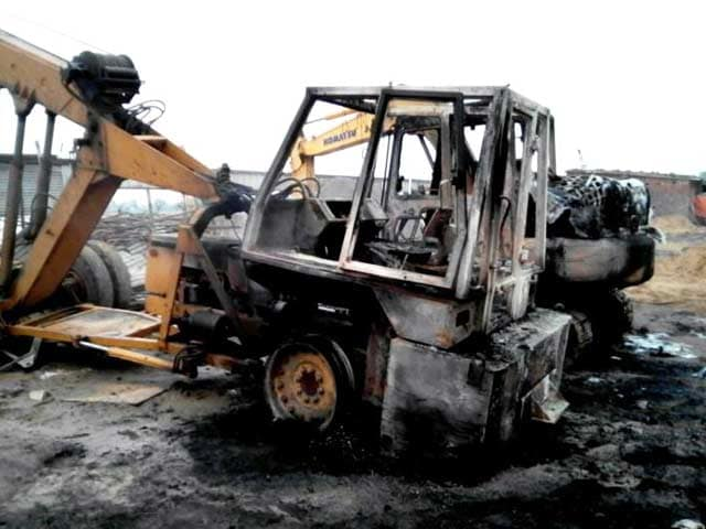 Video : बिहार के गया में रेल पुल निर्माण में लगी कंपनी पर हमला