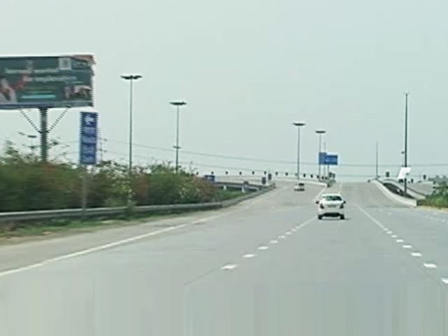 Video : Yamuna Expressway Needs An Aiport Closeby