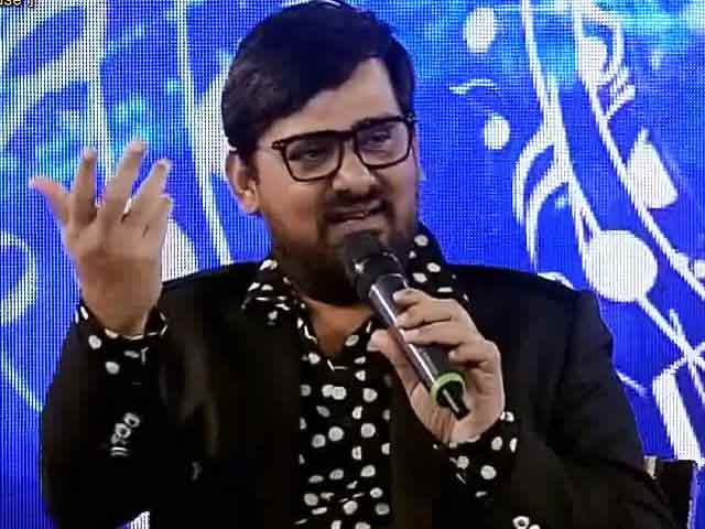 Video : Wajid Ali Croons Tere Mast Mast Do Nain At Youth For Change Conclave