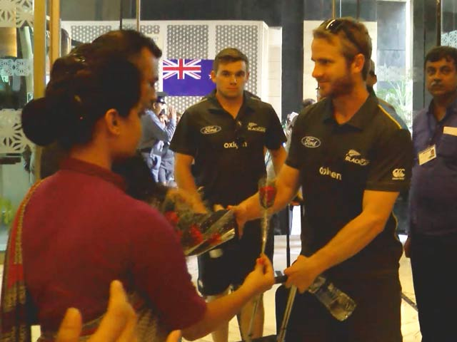 Video : New Zealand Get Traditional Indian Welcome in Kanpur