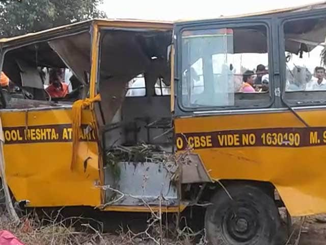 Video : 8 Dead After Bus Carrying 35 Children Falls In Large Drain Near Amritsar