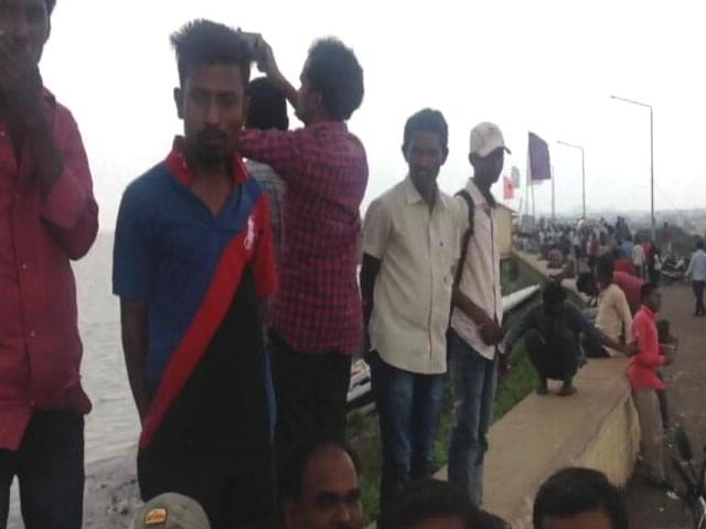 Video : Hyderabad Preps For Floods, But Selfies, Celebrations At Telangana Dams