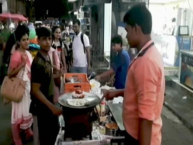 Video : आयकर विभाग की वड़ापाव और डोसा वालों पर नज़र, मुंबई और ठाणे में तक़रीबन 50 छापे