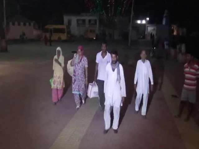 Video : Residents Flee Border Towns In Jammu As Surgical Strikes Spark Fear