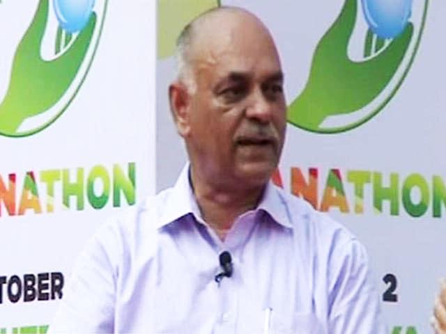 Video : 'क्रांतिकारी' टॉयलेट बनाने वाले लोकेंद्र सिंह से बातचीत...