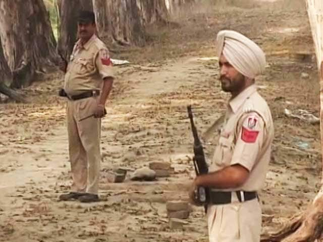 Video : Border Security Force Open Fire After Suspected Infiltration In Gurdaspur