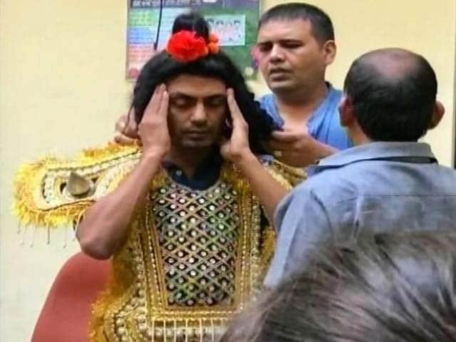 Video : नवाजुद्दीन सिद्दीकी को शिवसेना ने उनके गांव में नहीं करने दी 'रामलीला'