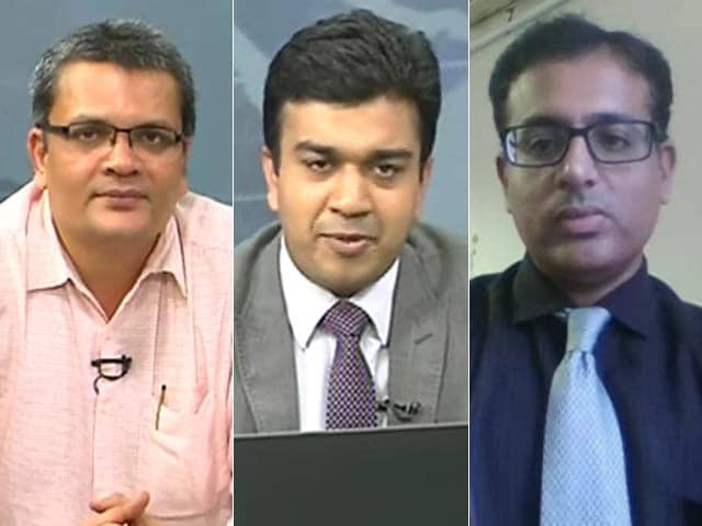 Video : Avoid Axis Bank At Current Juncture: Pradip Hotchandani