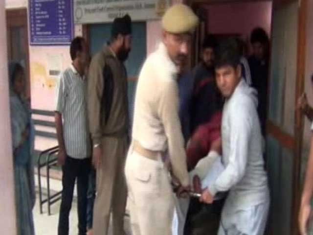 Video : Border Security Force (BSF) Officer, 6 Civilians Injured In Pakistan Shelling