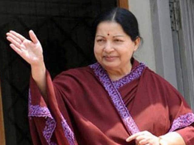 Video : Right Hand Inflamed, Jayalalithaa Signs-Off Poll Papers With Thumb Print