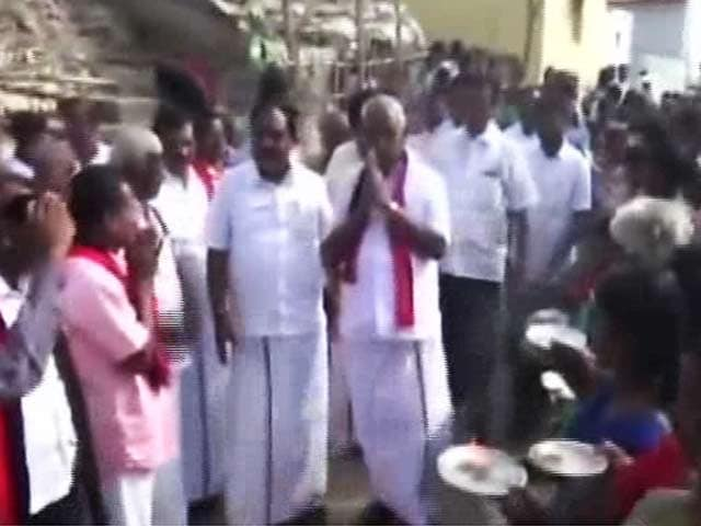 Video : 5 Months After Polls Cancelled Over Bribery Charges, DMK, AIADMK Field Same Candidates